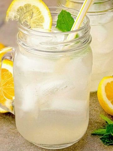 homemade classic lemonade