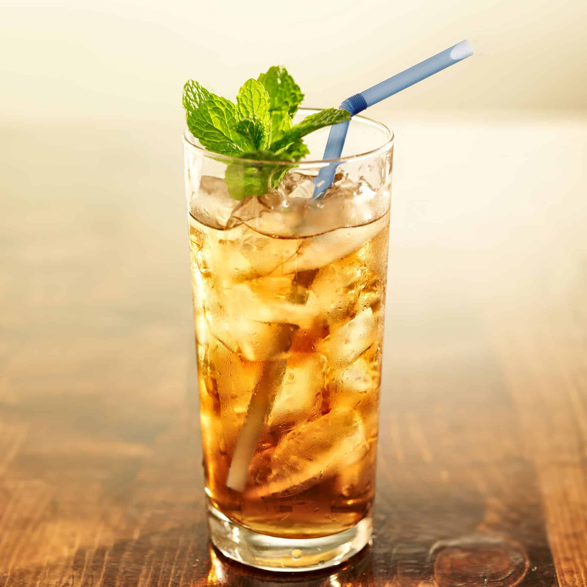 iced green tea with honey garnished with mint