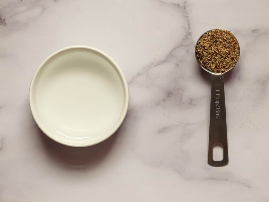 how to make flax egg by combining water and ground flax