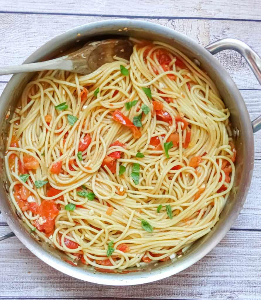 fresh tomato sauce spaghetti from scratch