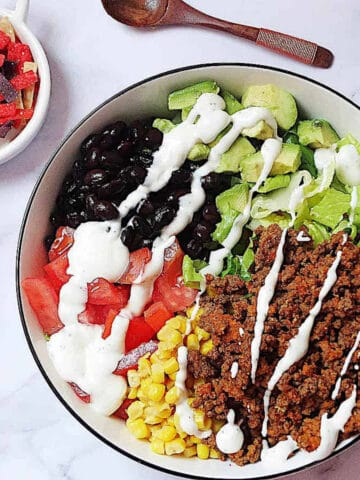 healthy taco salad featured image