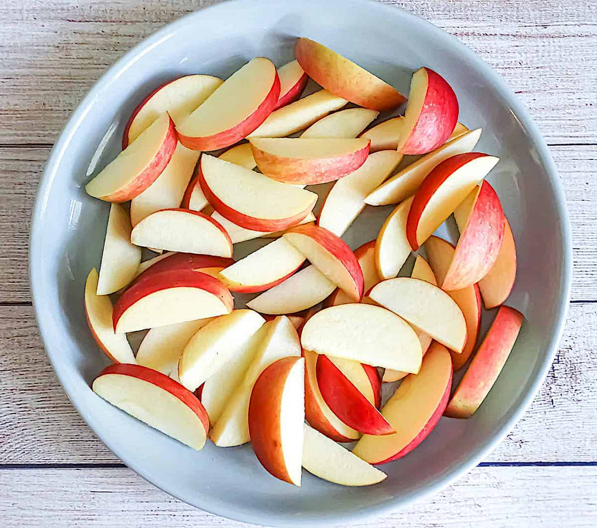 apple slices on a grey plate
