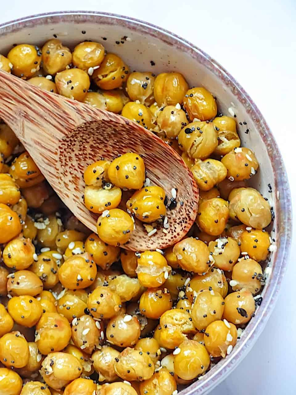 everything bagel chickpeas in a serving bowl with a white background