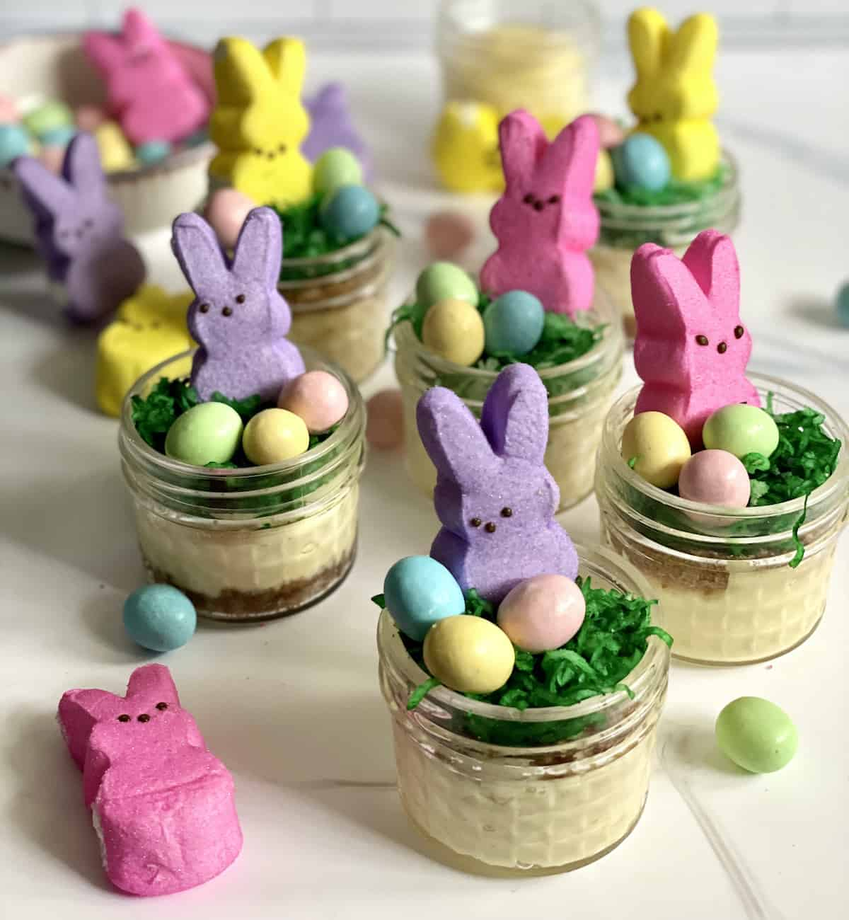 mini Easter cheesecakes in jars made in the Instant Pot